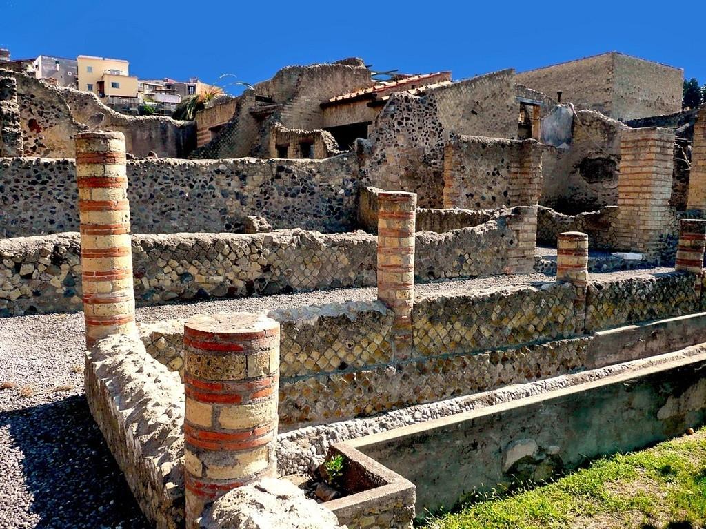 Herculaneum & Vesuvius